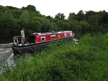 Narrow boat navigating the Barrow