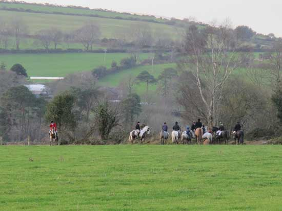 Heading for the hills, Wingfield Hunt, Dec' 2011.