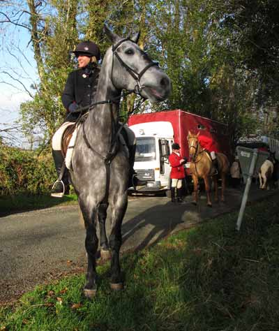 Mandy Hayden aboard Cluny, Wingfield Hunt, Dec' 2011.
